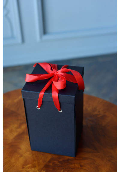 Подарочная коробка Premium, черная (30х18х18)