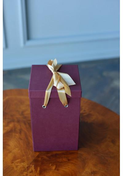 Подарочная коробка Premium, бордовая (30х18х18)